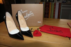 Christian Louboutin So Kate neu!! in schwarz