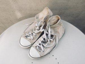 Chucks Converse in Creme weiß mit dünner Sohle