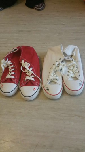 Chucks in rot und weiss