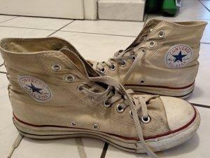 """""""Chucks"""" von Converse in beige"""