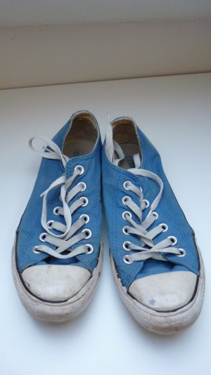 Chucks von Converse in blau