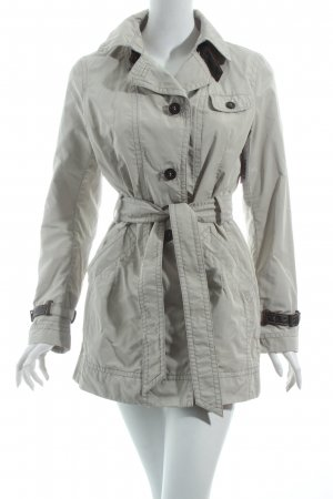 Cinque Trenchcoat hellgrau Street-Fashion-Look