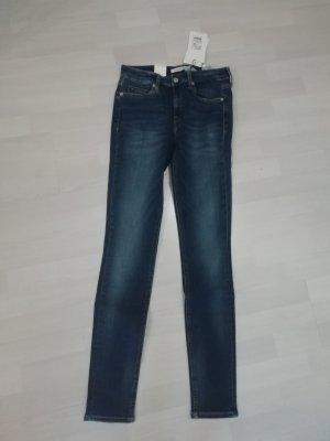 CK Calvin Klein Jeans Mid Rise Skinny CKJ 011