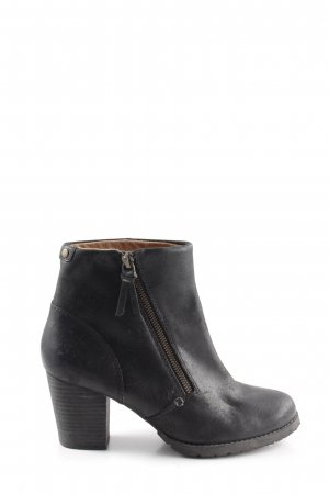 Clanks Heel Boots black business style