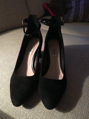 Clark´s Schuhe mit Knöchelriemen.