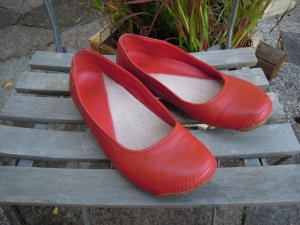Clarks Foldable Ballet Flats red