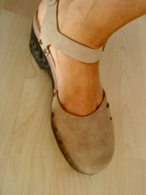 CLARKS beige Sandalen Wildleder in 40