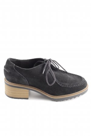 Clarks Wingtip Shoes black business style