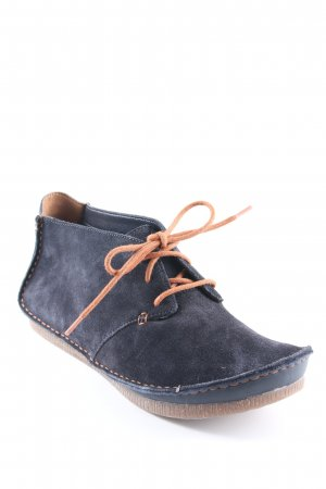 Clarks Desert Boots dunkelblau Casual-Look