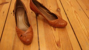 Clarks High Heels light brown-cognac-coloured leather