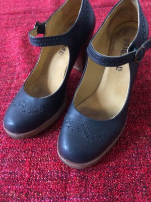 Clarks Mary Jane Pumps black