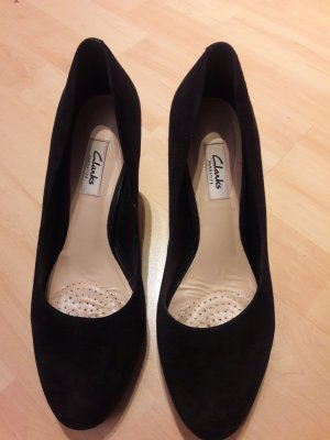 Clarks Pumps black