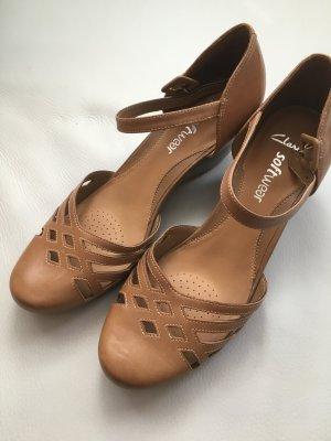 Clarks Sandalette, Softwear, Sandale, Keilpumps, beige, Gr. 41, UK 7,  NEU und ungetragen!