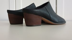 Clarks Slip-on Shoes black leather