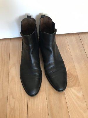 Massimo Dutti Chelsea Boots black