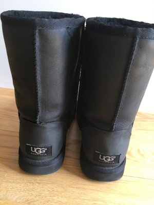 Classic Short  Leather UGG's