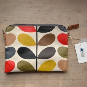 Classic Travel Pouch von Orla Kiely London
