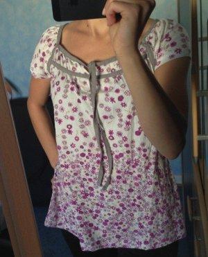 Clockhouse T-Shirt mit Blumenmuster in Lila Größe XS