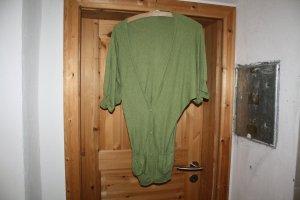 Clockhouse Weste in Grün mit Fledermausärmeln Gr. S