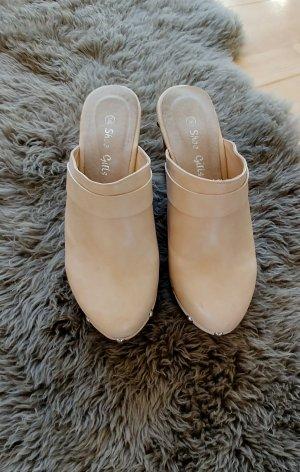 Clogs beige mit brauer Plateau Sohle in Größe 38 von Shoes Girls( Romika)