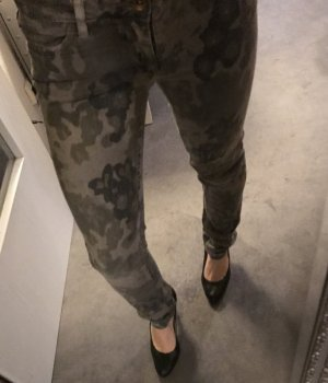 Closed Tube Jeans green grey-camel
