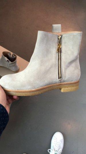 Closed Boots *neuwertig*