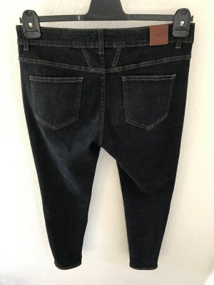 Closed Jeans aktuelle Kollektion, Modell Baker