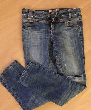Closed Pedal Cape Jeans