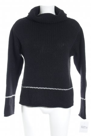 Closed Turtleneck Sweater black-white fluffy