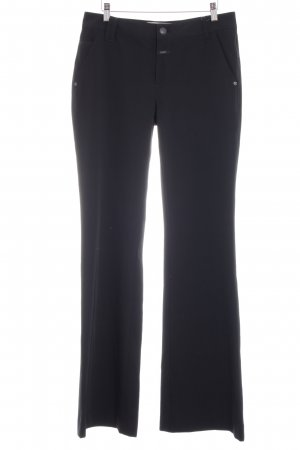 Closed Flares black simple style
