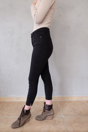 Closed schwarze Jeanshose