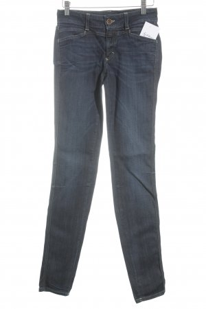 Closed Skinny Jeans dunkelblau Street-Fashion-Look