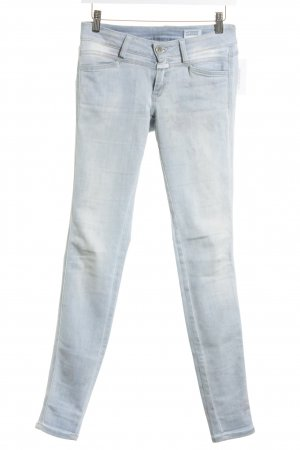 Closed Skinny Jeans hellblau florales Muster Street-Fashion-Look