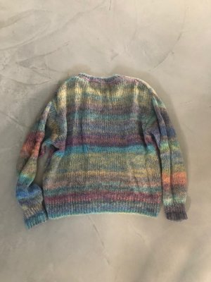 Closed / Strickpulli
