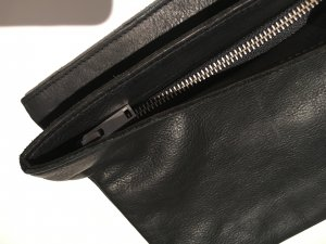 COS Clutch black