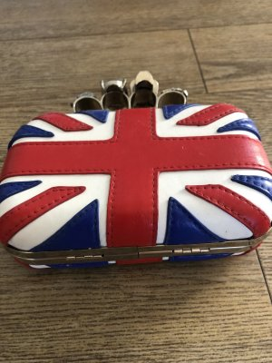 Clutch im Britain Design