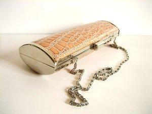 Clutch mit Krokoprägung braun/silber mit Tragekette