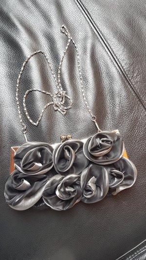 Clutch mit Rosen