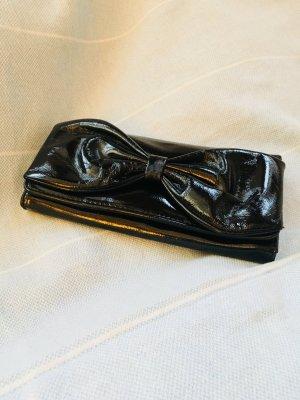 Clutch mit Schleifen-Eingriff aus schwarzem Lack