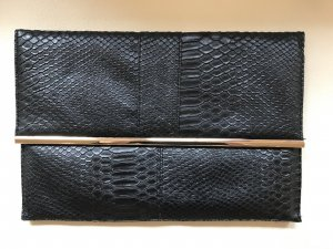 Clutch Schwarz/Gold in Snakeskin
