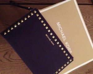 Michael Kors Pochette violet foncé-doré cuir