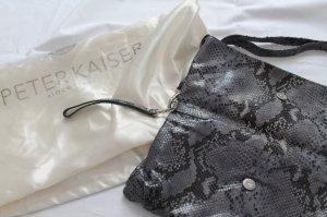 Clutch von Peter Kaiser mit grauem Schlangenprint aus Leder