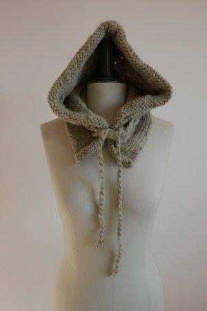 """COAL """"The Sands Knittel Hoodie"""" – Kapuzenschal zum Überstreifen"""