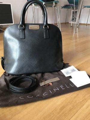 Coccinelle Tasche schwarz klassisch Umhängeriemen 2x benutzt