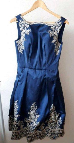 Chi Chi London Midi-jurk blauw