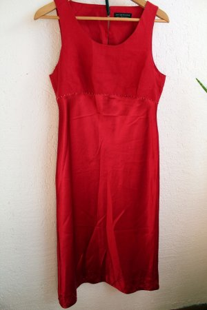 Cocktail-Kleid aus rotem Satin