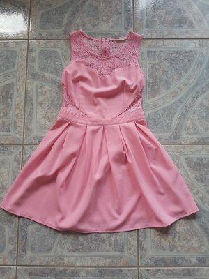 Cocktail-Kleid mit Spitzen- Cutouts