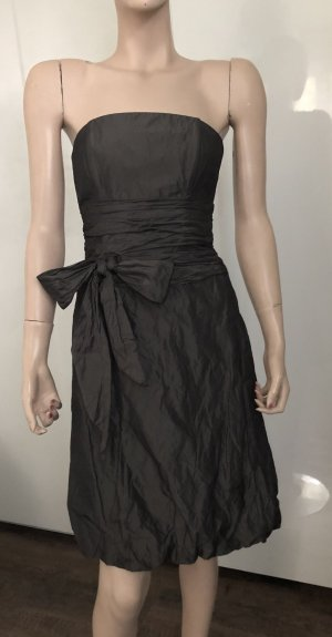 vestido de globo gris oscuro