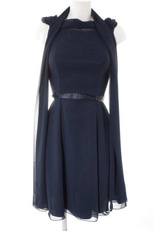 Vestido de cóctel azul oscuro elegante