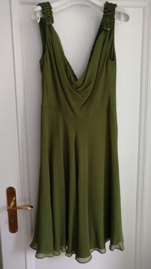 Cocktailkleid grün mit aussergewöhnlichem Rückenausschnitt Gr 38
